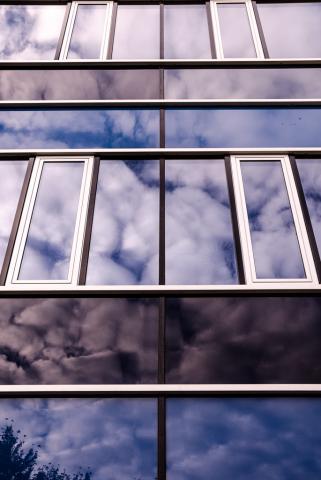 Felhők és sávok